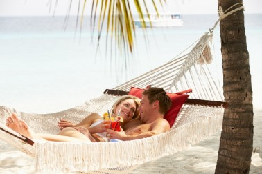 3 stupid mistakes that will totally ruin your surprise honeymoon (and how to avoid them)